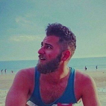 Carlos Pery, 29, Sevilla, Spain