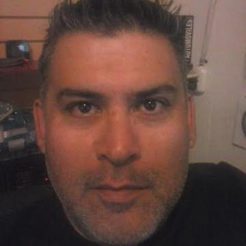 Jose Luis León Valenzuela, 43, Santiago, Chile
