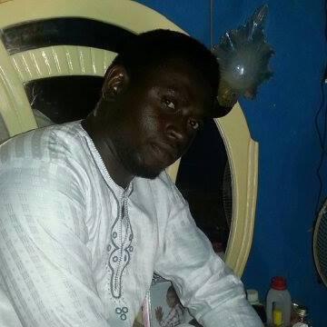Holarree, 37, Lagos, Nigeria