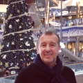 Mike Ilina, 56, Valencia, Spain
