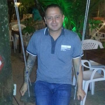 Max, 36, Rome, Italy