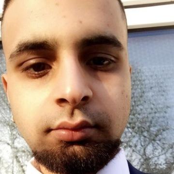 Babz, 22, Bradford, United Kingdom