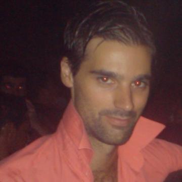 Roberto, 35, San Fernando, Spain
