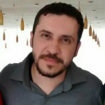 Erik Fuentes, 31, Tampico, Mexico