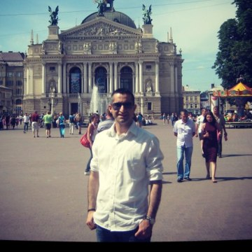 Kenan, 33, Istanbul, Turkey