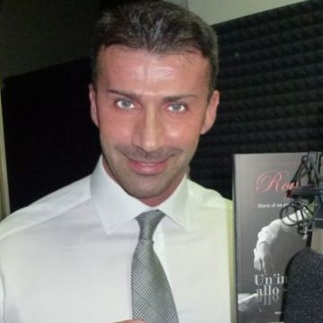 Alex, 38, Viareggio, Italy