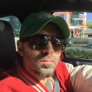 Berk Ersan, 34, Istanbul, Turkey