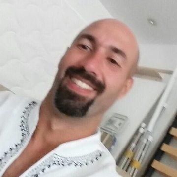 Andre Esposito, 40, Dubai, United Arab Emirates