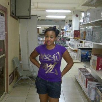 juliet, 28, Lome, Togo