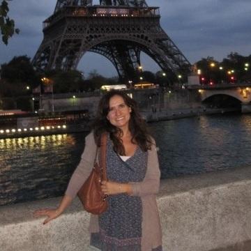 Lau, 40, Madrid, Spain