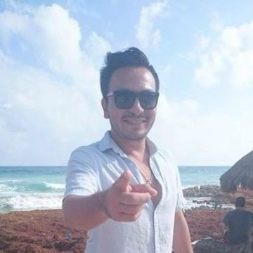 Carlos Herrera, 34, Barcelona, Spain