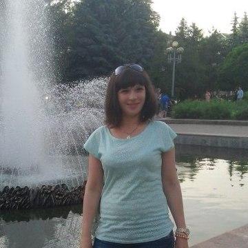 юля, 27, Rovno, Ukraine