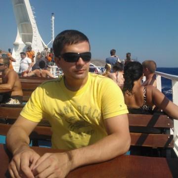 Roman, 31, Saint Petersburg, Russia