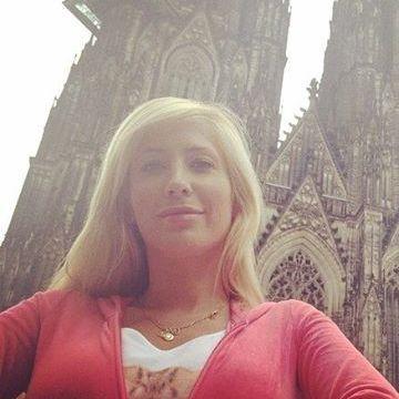Melinda Nooney, 35, Leduc, Canada