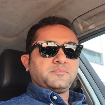 Mansoor, 37, Dubai, United Arab Emirates