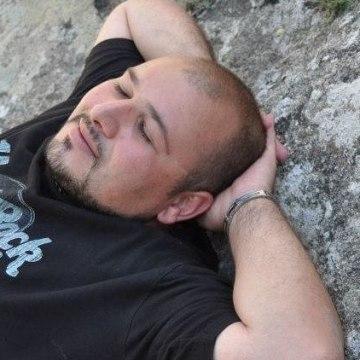 Enrico Izzo, 34, Pompei, Italy