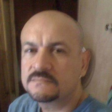 Carlos Sr., 39, West Warwick, United States