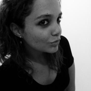 Larissa Trindade, 25, Aracaju, Brazil