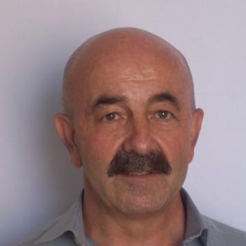 Manuel, 64, Sevilla, Spain