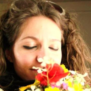 laura, 31, Ragusa, Italy