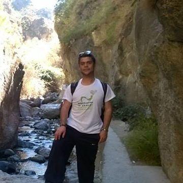 Martos David, 33, Malaga, Spain