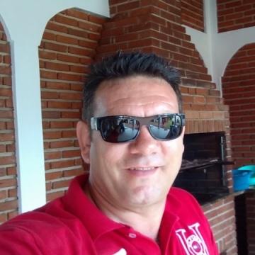 Daniel, 48, Londrina, Brazil