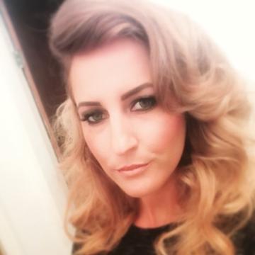 Kate, 30, Wigan, United Kingdom