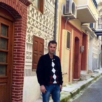 Veysel Yılmaz, 43, Izmir, Turkey