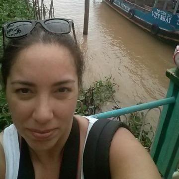 Andrea, 45, Barcelona, Spain