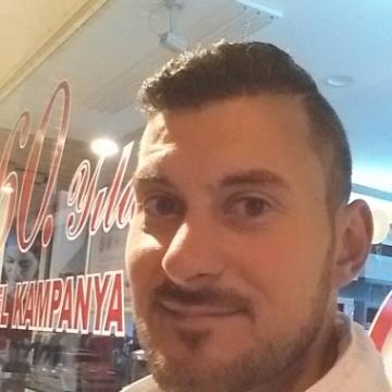 Yamen Tyty, 32, Gaziantep, Turkey