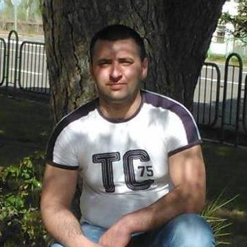 Dragos Turlui, 29, Turnu Magurele, Romania