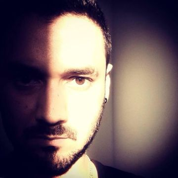 Carlitos Nieves, 33, Barcelona, Spain