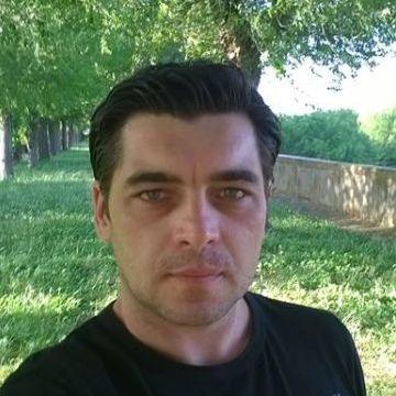 Doru Fechete, 34, Prato, Italy