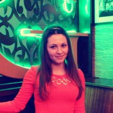Charlotte, 30, Belgium, United States