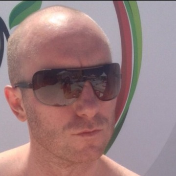 Ron, 41, Manchester, United Kingdom