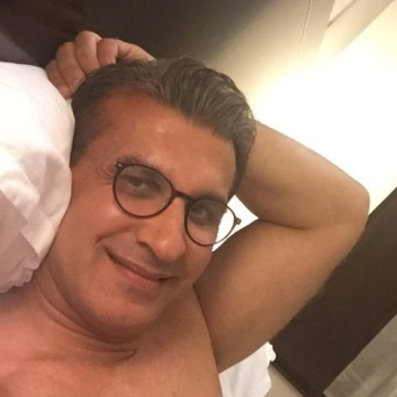 Omid, 43, Dubai, United Arab Emirates
