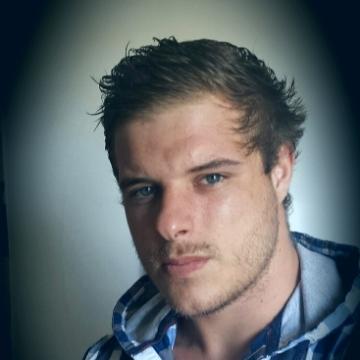 Julien Benoît, 25, Beziers, France