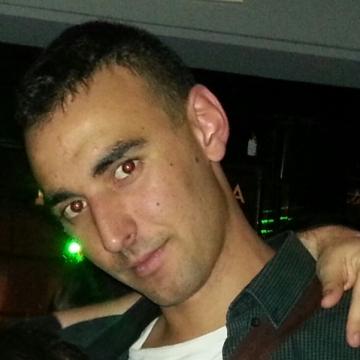 Alvaro Sanz Larren, 28, Zaragoza, Spain