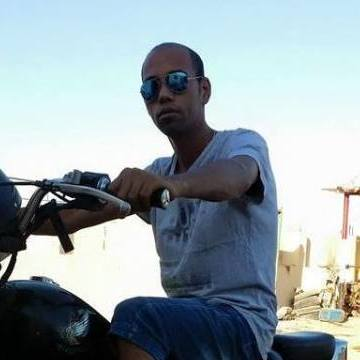 ali, 29, Sharm El-sheikh, Egypt