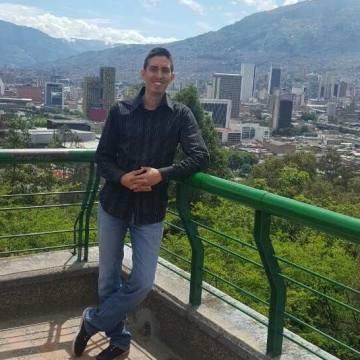 Ricardo Londoño Sanchez, 37, Cali, Colombia