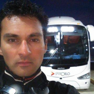 Carlos Pizarro, 35, Iquique, Chile