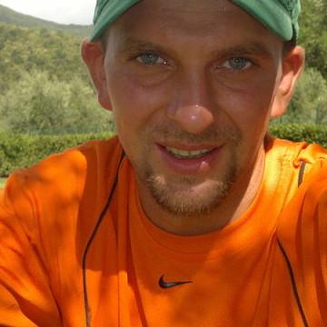 Serge, 35, Minturno, Italy