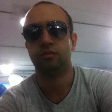 Gökhan Subaşı, 31, Istanbul, Turkey