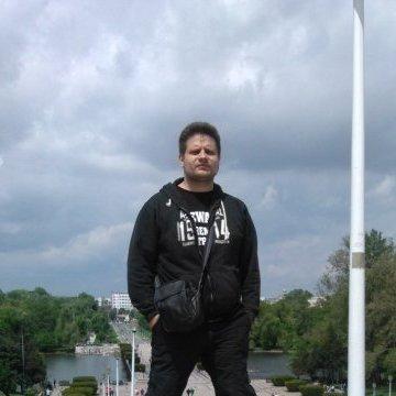 Nikos, 36, Athens, Greece