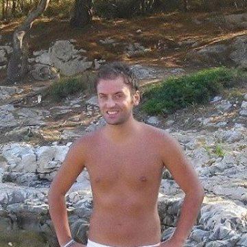 Mario, 31, Napoli, Italy