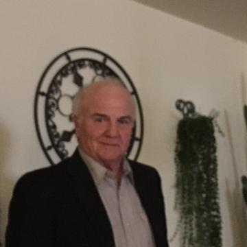 Joseph Vetere, 74, Hamburg, United States