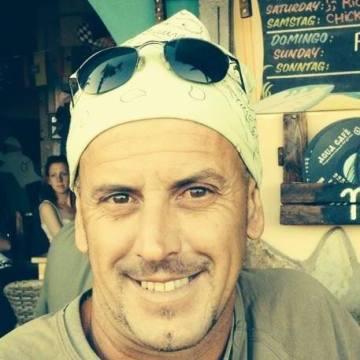 Pepe Barreto, 46, Santa Cruz De Tenerife, Spain