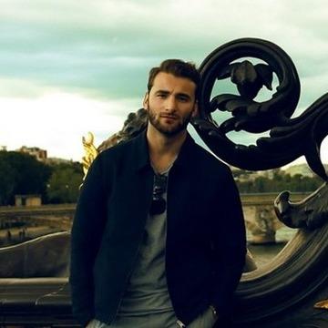 david, 30, Paris, France