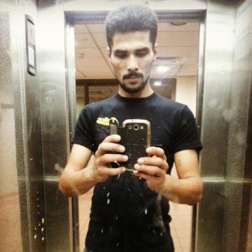 fakhir, 28, Dubai, United Arab Emirates