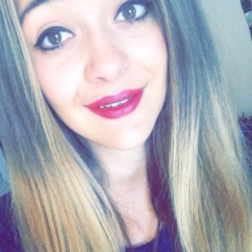 Tina Rave, 19, Carcassonne, France
